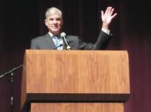 State Superintendent Torlakson talks to Delta students on education